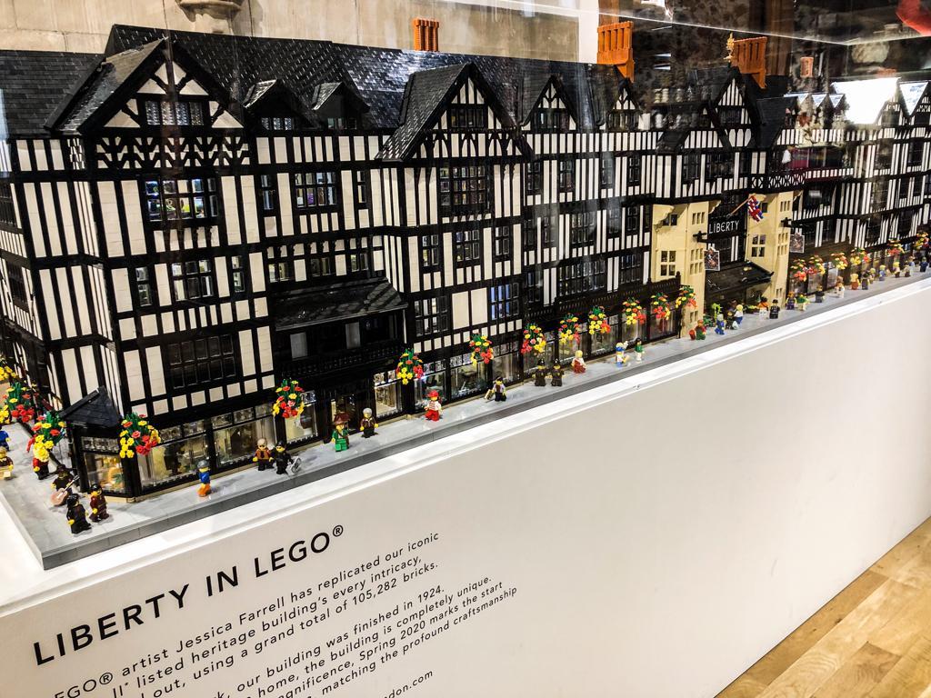 I magazzini Liberty nella ricostruzione della Lego