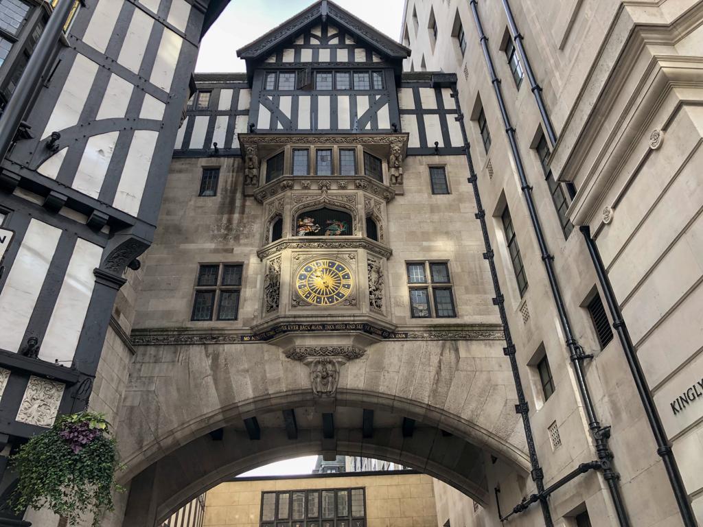 un dettaglio dell'esterno dei magazzini Liberty a Londra