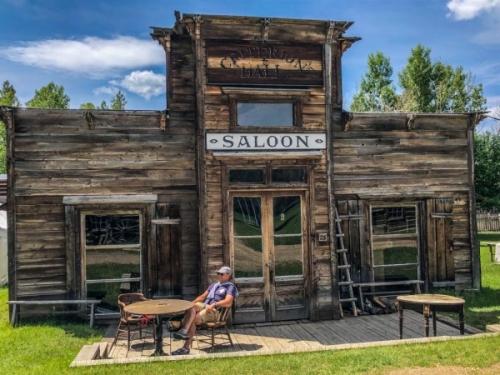 Nevada City nel Montana: il Saloon